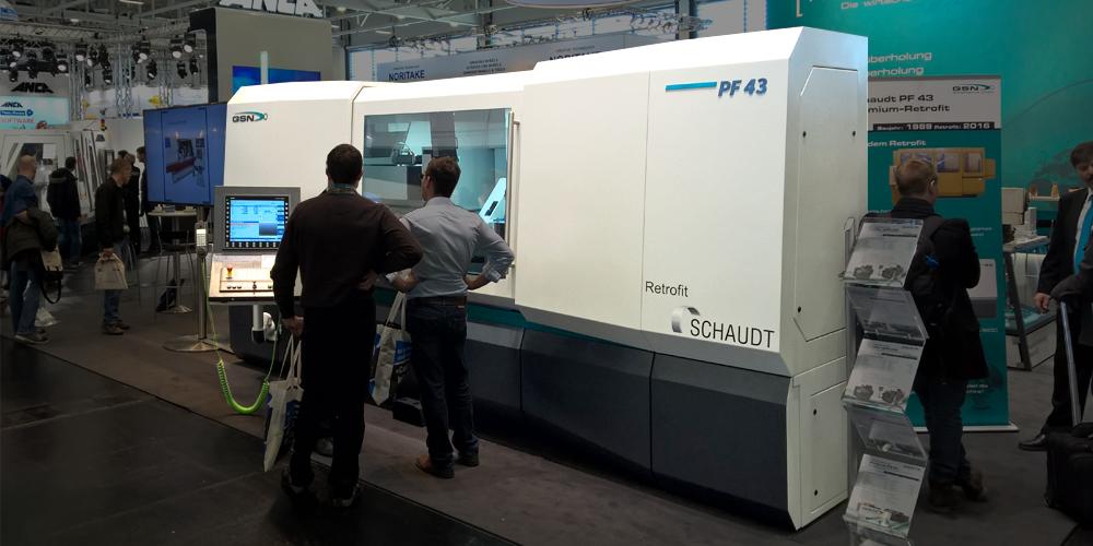 Industriedesign für Maschinengehäuse von GSN - Messefoto der Retrofit Anlagen